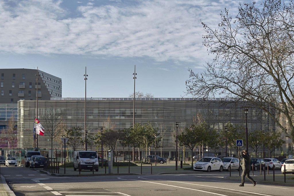 Batiment-Hep-Campus-14-GSatre-non-libre-de-droits.jpg